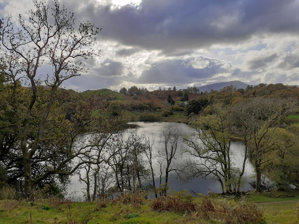 Late afternoon light on Loughrigg Tarn